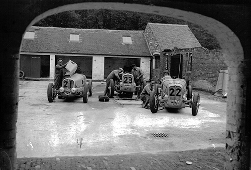 The Blue Buzz team's Delahaye cars, 1936 Donington GP