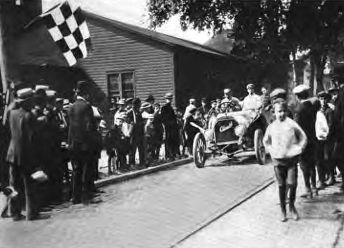 Checkered flag in 1906