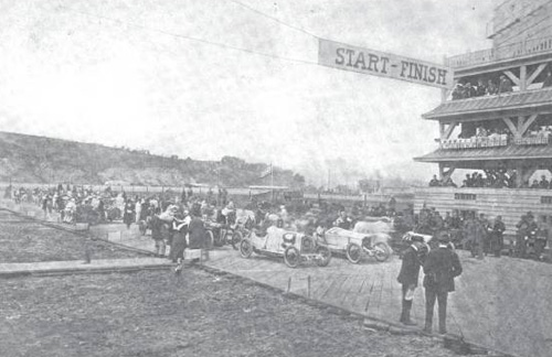 Starting grid for the Vanderbilt Cup in 1915
